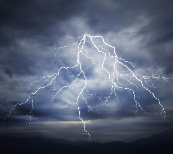 L'atmosphère d'un orage et de la pluie 3D binauraux